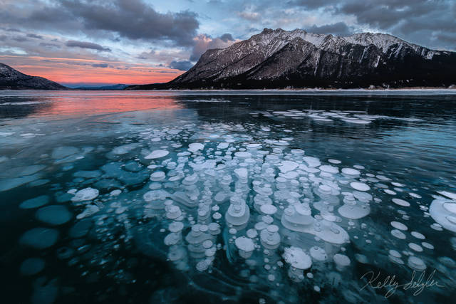 bubbles, abraham lake, alberta, canada, photograph, wintertime, composition, magical