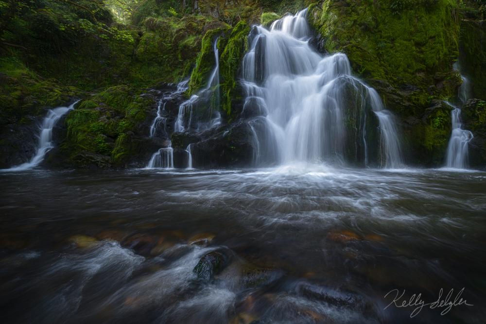 This is definitely one of my favorite waterfalls in Washington.